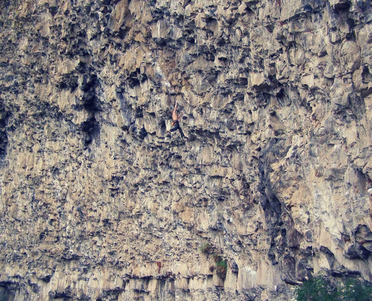 Rock Climbing Photo: Mich Kemeter on The Fugitive 13a.