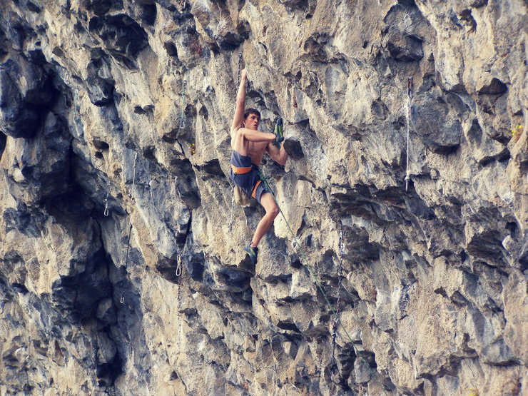 Rock Climbing Photo: Joe Maier on The Fugitive, 13a. Joe's first 5.13! ...
