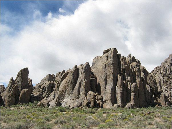 Rock Climbing Photo: Alabama Hills-Cattle Pocket. Photo by Blitzo.