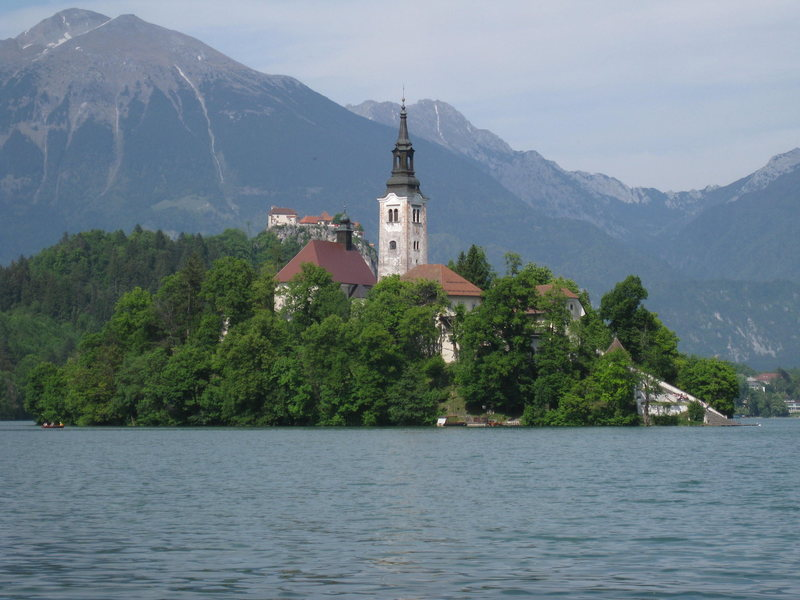 Church and castle in Bled.  Running around the lake has to be one of the finest and most beautiful (and most popular) 4-milers in Europe.