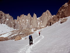 Rock Climbing Photo: Approaching Whitney's Mountaineer's Route, above U...
