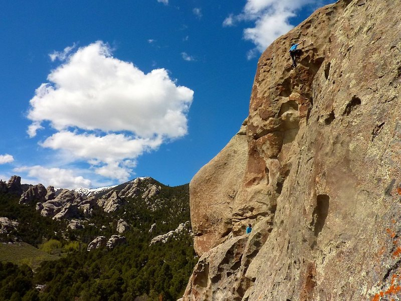 Rock Climbing Photo: Team Teal cruising the nicely featured second pitc...