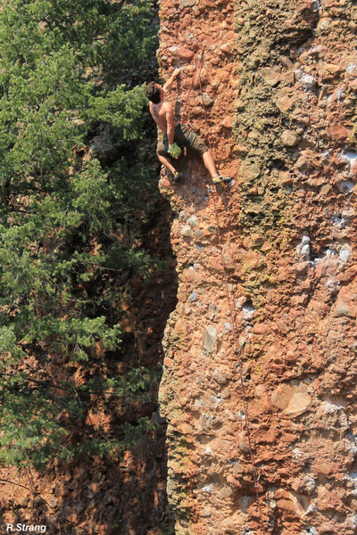 Procrastinating at the arete - Procrastination (5.12a)