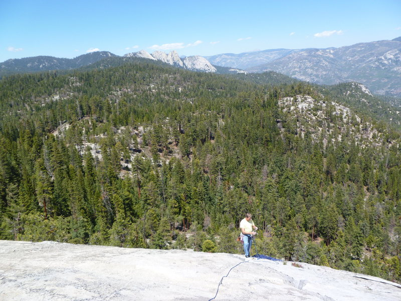 Rock Climbing Photo: Topping out on the Tree Route with the Needles in ...