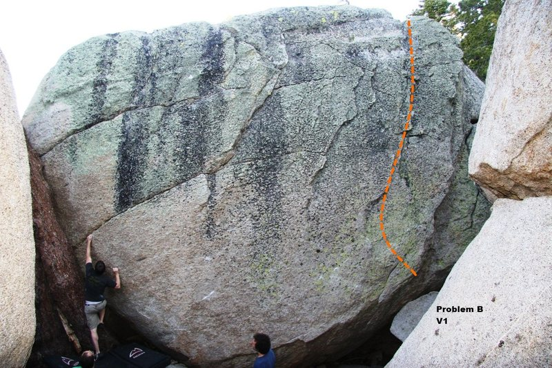 Rock Climbing Photo: Problem B V1, Topo