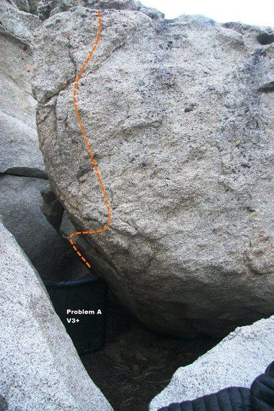 Rock Climbing Photo: Problem A Topo, V3+