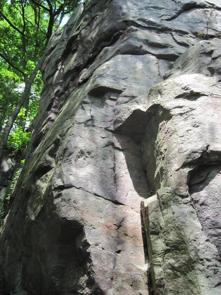 The start to Smoke Stack goes up this dihedral and then when it reaches the horizontal crack traverses left to a vert crack on the other face.