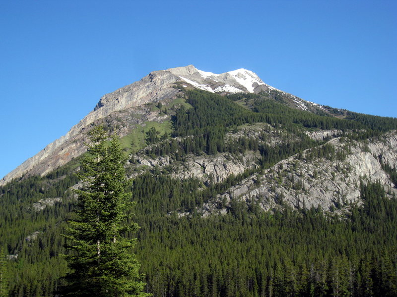 Rock Climbing Photo: Mt. Indefatigable as seen from the Interlakes Park...