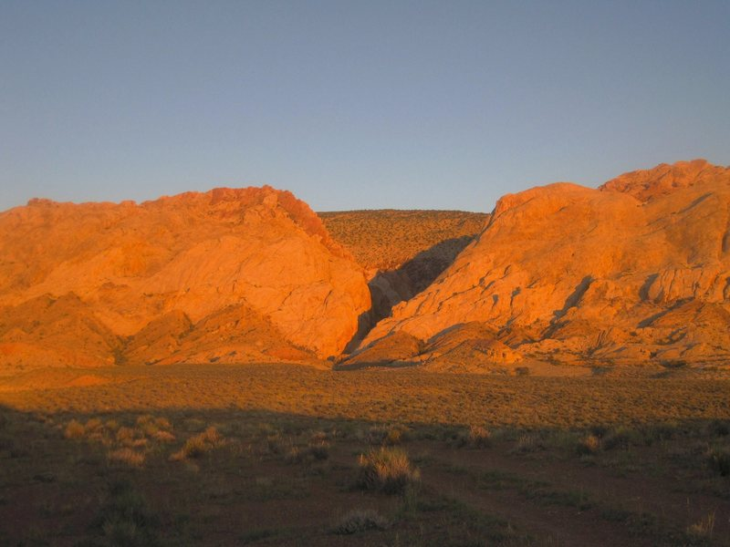 Rock Climbing Photo: Sunrise at the Two Fingers Canyon