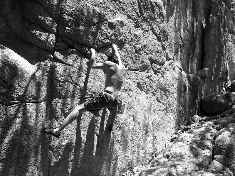 James midway on The Hungover Traverse (V4), Keller Peak