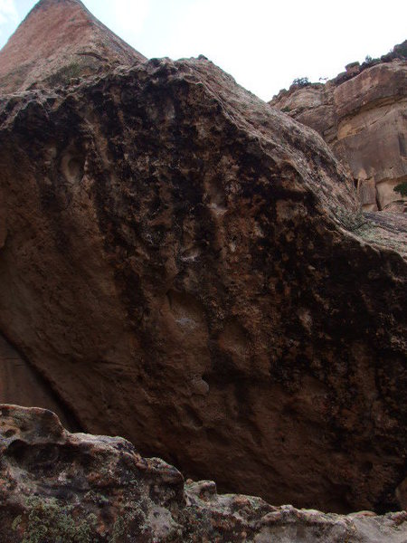 Rock Climbing Photo: Microburst Problem starts low and goes stright up ...