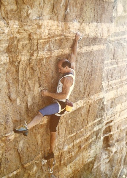 Rock Climbing Photo: Tsunami, 1990.  Old crappy harness, gear sling !