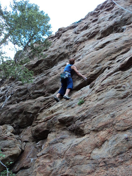 Deb utilizing an undercling.