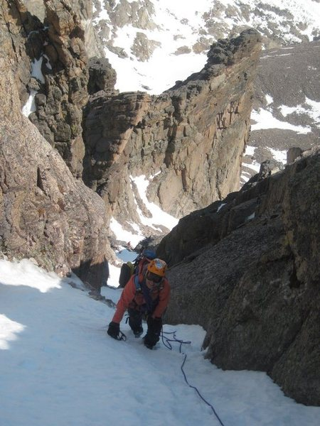 06-04-11 Exiting the thin chimney on Dreamweaver