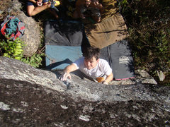 Rock Climbing Photo: Boulder: Com Caneleiras v3/4, at Cocalzinho. Secto...