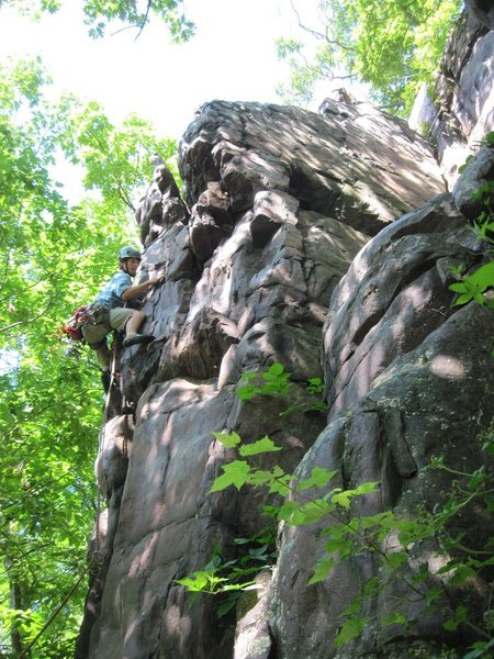 Rock Climbing Photo: Dylan Colon leading up Lincoln's Chair South Arm o...