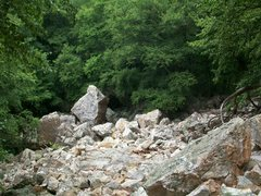 Rock Climbing Photo: The trail enters the talus/boulder field on the ri...