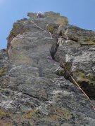 Rock Climbing Photo: 07-02-11 Sharkstooth NE Ridge P4 Offwidth start