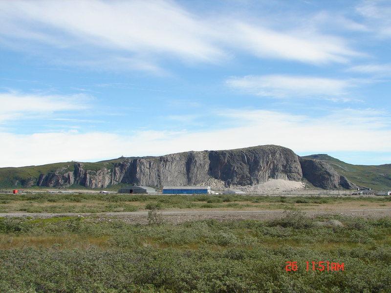 Cliffs around Kangerlussuaq.<br> Sondre Stromfjord, Greenland's west coast.