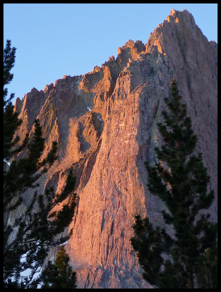 Alpenglow on the Dark Star buttress - Temple Crag