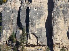 Rock Climbing Photo: Do these crack climbs! Climber in the green shirt ...