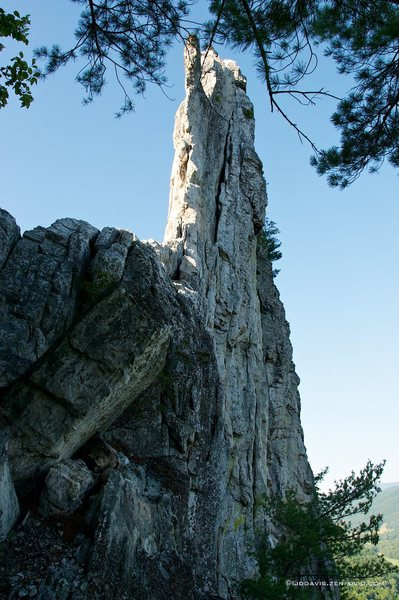 Rock Climbing Photo: Looking up at Gunsight to South Peak from the top ...