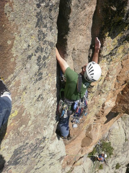 Rock Climbing Photo: The twin crack crux on the 2nd pitch.
