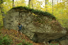 Rock Climbing Photo: Pig Boulder will have some fun moderate and hard p...