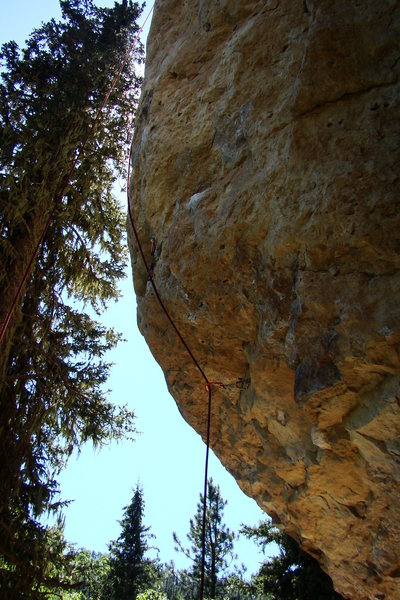 Like a proctologist exam, this is a good project for those who want a 5.12a experience to be over with as soon as possible so they can climb into 5.10 terrain right after the painful start.