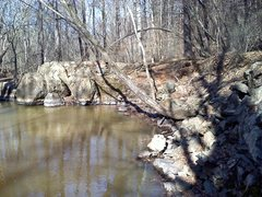 Rock Climbing Photo: Picture of Spiderqueen boulders from upstream clos...