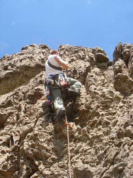 Rock Climbing Photo: Me attaching sling on Trident Eliminate