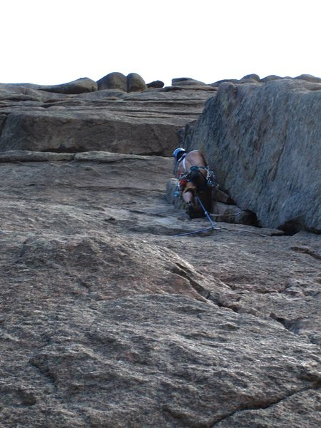Rock Climbing Photo: Plugging pro on Hollow Flake.