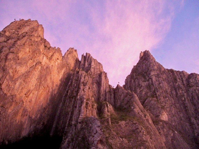 Rock Climbing Photo: Sunset glow above Las Estrellas, TNT and Conundrum...