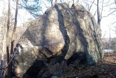 Rock Climbing Photo: Whaleback Boulder. This is really the only climbab...