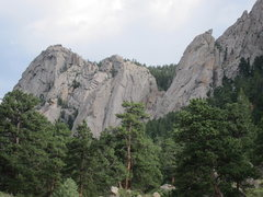Rock Climbing Photo: The Great Dihedral is just left of the prominent p...