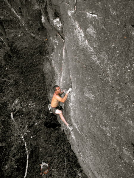 Dave Lewis getting the 2nd ascent of Achilles!