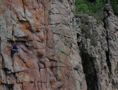 Rock Climbing Photo: JJ Schlick onsighting Skinwalker.
