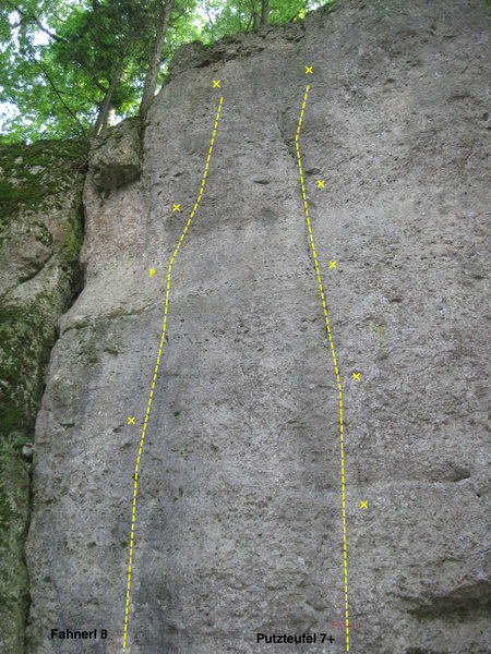 The next 2 routes further right on the crag. This one is bordered on the left side by a very mossy section dividing the first 2 routes on the wall.