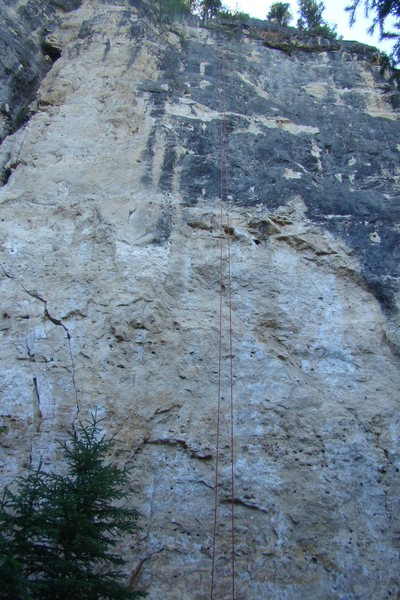 Rock Climbing Photo: Rope hanging on Belaybesitter, 5.11c. Note the cru...