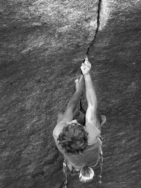 Siebe Vanhee attempts the Cobra Crack at the Cirque of the Uncrackables.