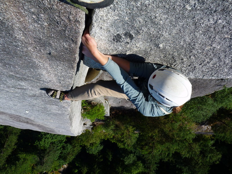 Rock Climbing Photo: Kathleen pulling the roof on the money pitch. A co...