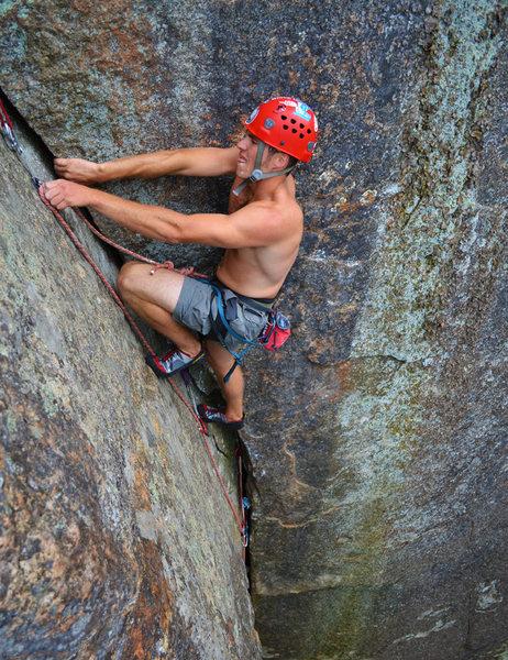 Rock Climbing Photo: Scott Arno makes a clip while cruising into the ea...