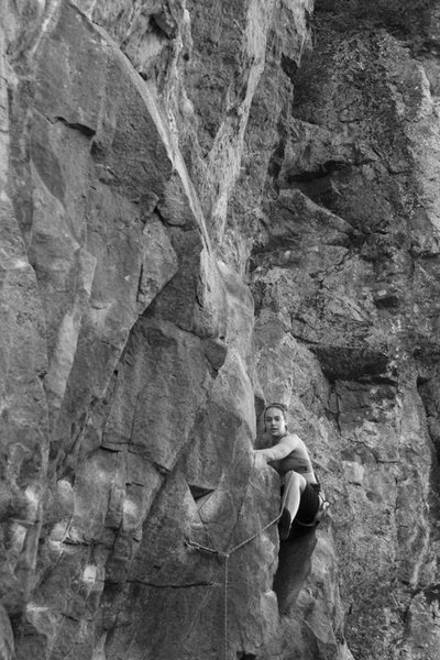 Rock Climbing Photo: nicole nestled in to the chimney