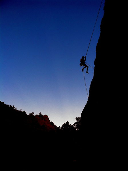 Rock Climbing Photo: Blue skies and a distant sunset make for a great s...