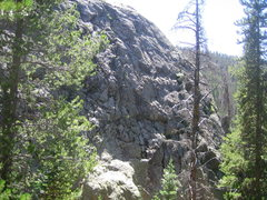 Rock Climbing Photo: Right side of crag.  Route 8 could be climbed almo...