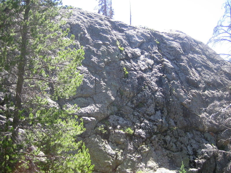 Rock Climbing Photo: Middle section of the crag, from route 4 on the le...