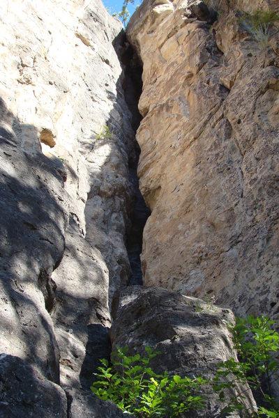 Offwidth crack climbing!