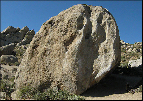 Buttermilk Stem boulder.<br> Photo by Blitzo.
