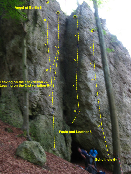 This is to the right of the large cave when walking to the left side of the crag.