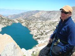Rock Climbing Photo: Kevin Mokracek w/ Upper Lamarck Lake in the backgr...